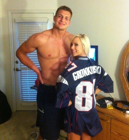patriots-rob-gronkowski-with-porn-star-bibi-jones